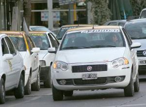 Taxis y remises: hay menos postulantes que licencias disponibles