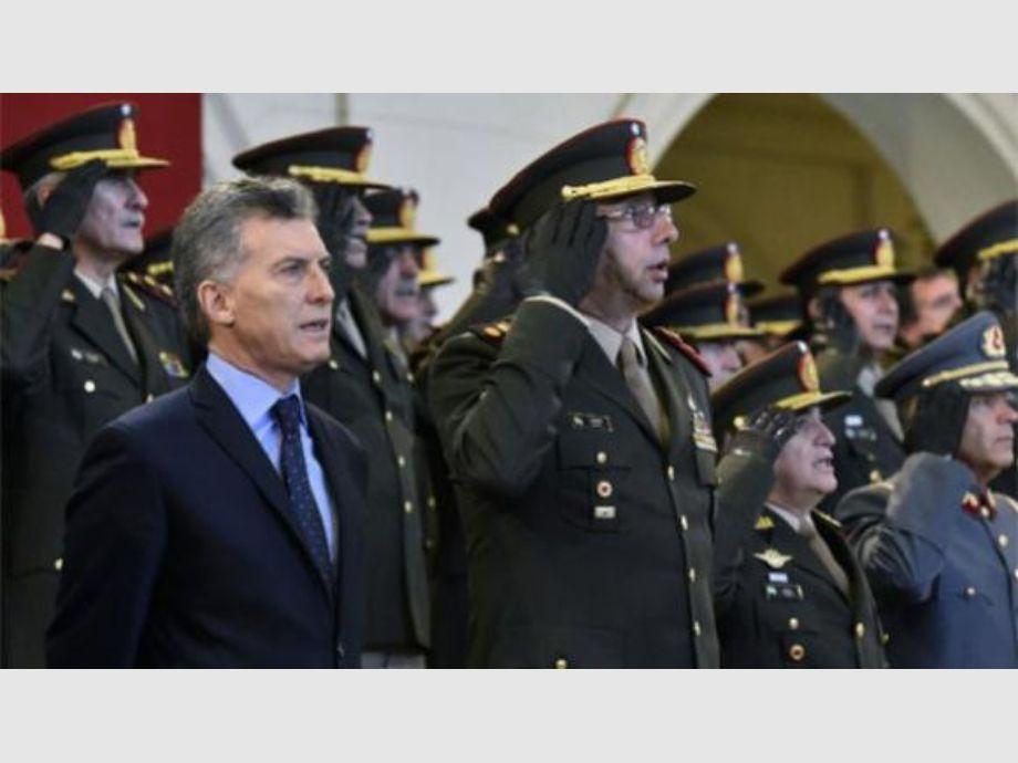 videos gay de militares abusados por generales