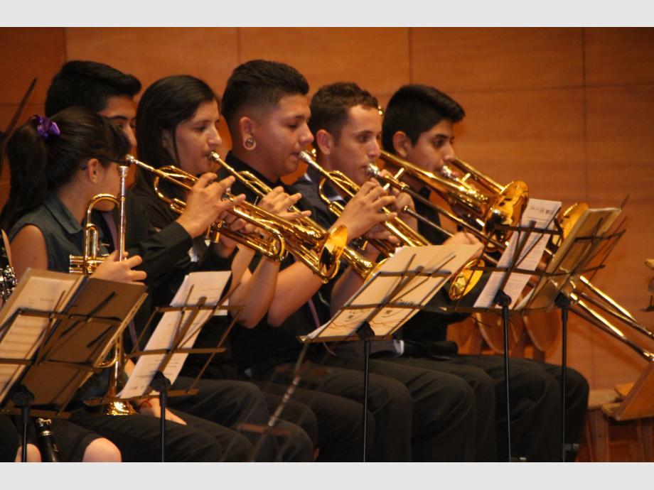 Los ritmos populares latinoamericanos y sanjuaninos predominaron en los repertorios ejecutados por los jóvenes músicos, quienes ofrecieron una propuesta entretenida y agradable a los oídos.