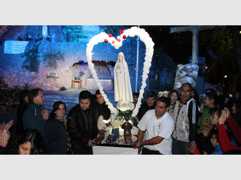 Feligreses se unen para acompañar virgen de Fátima