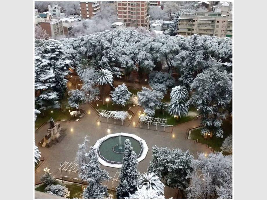 Mendoza amaneci cubierta de nieve diario de cuyo for Chimentos de hoy en argentina