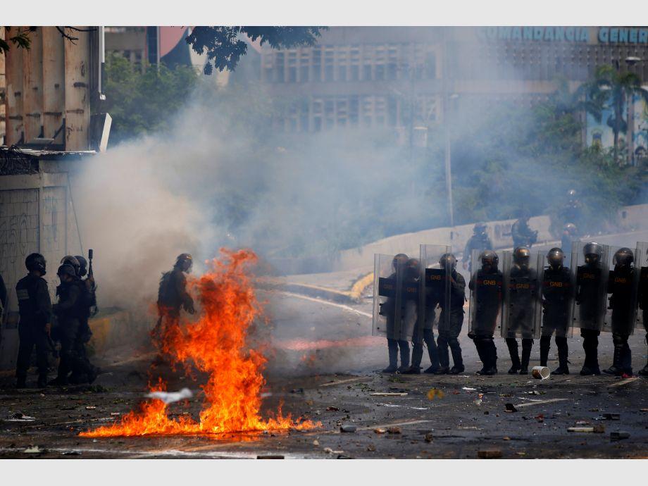Tres jóvenes fueron baleados durante el paro general — Venezuela