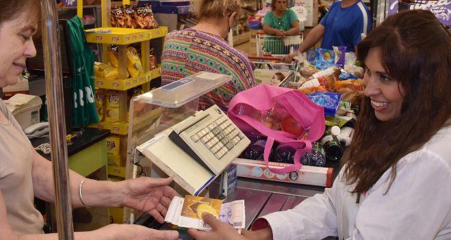 Cada vez se usa m s sacar dinero por fuera de los cajeros for Cuanto dinero se puede sacar del cajero
