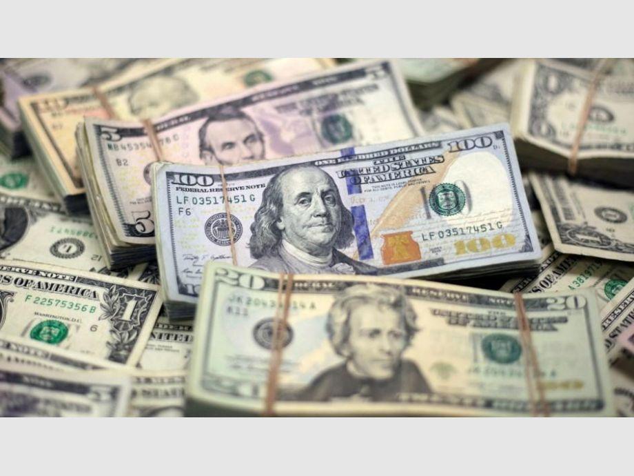 Dólar desciende, se vende hasta en 18.55 pesos