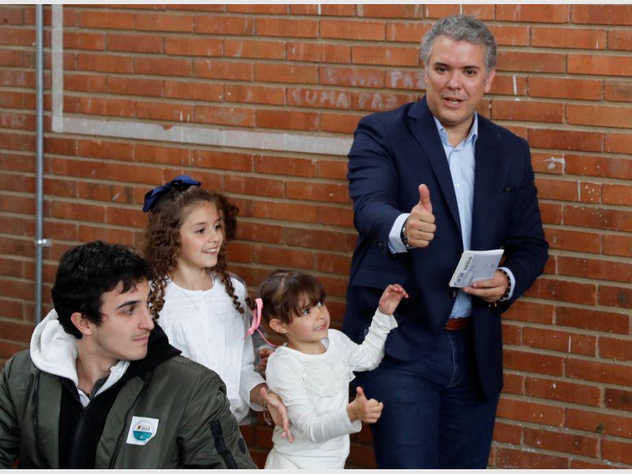 El inédito duelo presidencial entre izquierda y derecha — Colombia sin FARC