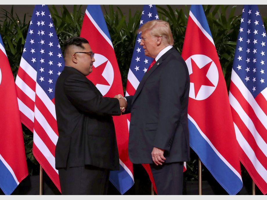 saludo entre Trump y Kim
