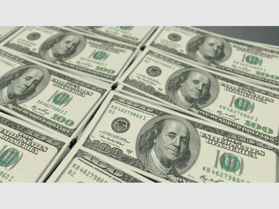 Luego de tres bajas consecutivas, el dólar saltó a $28,18