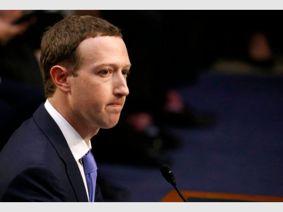 Acciones de Facebook se sumergen 19% en Wall Street