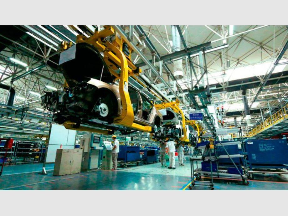 La industria se desplomó 8,1% interanual en junio