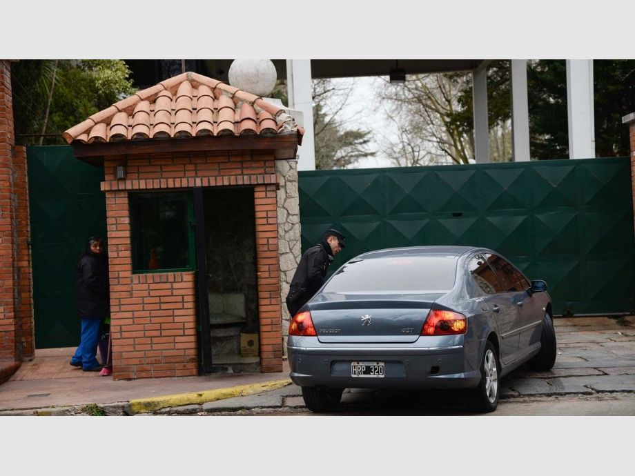 Macri reduce ministerios y aumenta impuestos a las exportaciones — Argentina