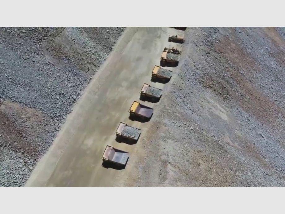 Pelambres: removieron más de un millón de toneladas de roca estéril y sumaron camiones - Conflicto con Los Pelambres Escombrera de Los Pelambres Minera Los Pelambres Los Pelambres