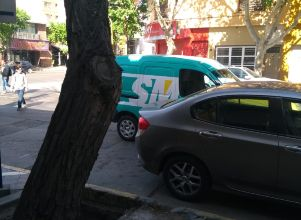 Estacionado en doble fila -
