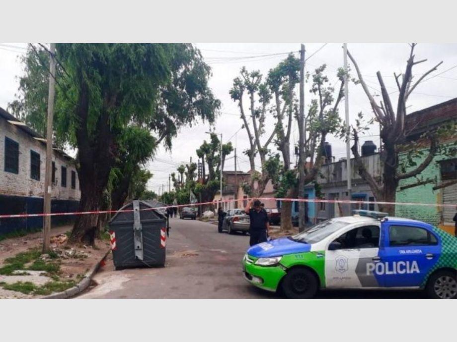 Un menor apuntó con un arma a una periodista de Crónica TV