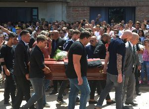 Family and friends carry the coffin of Emiliano Sala, soccer player who died in a plane crash in the English Channel, while a crowd attends his wake in Progreso - NARCH/NARCH30 -