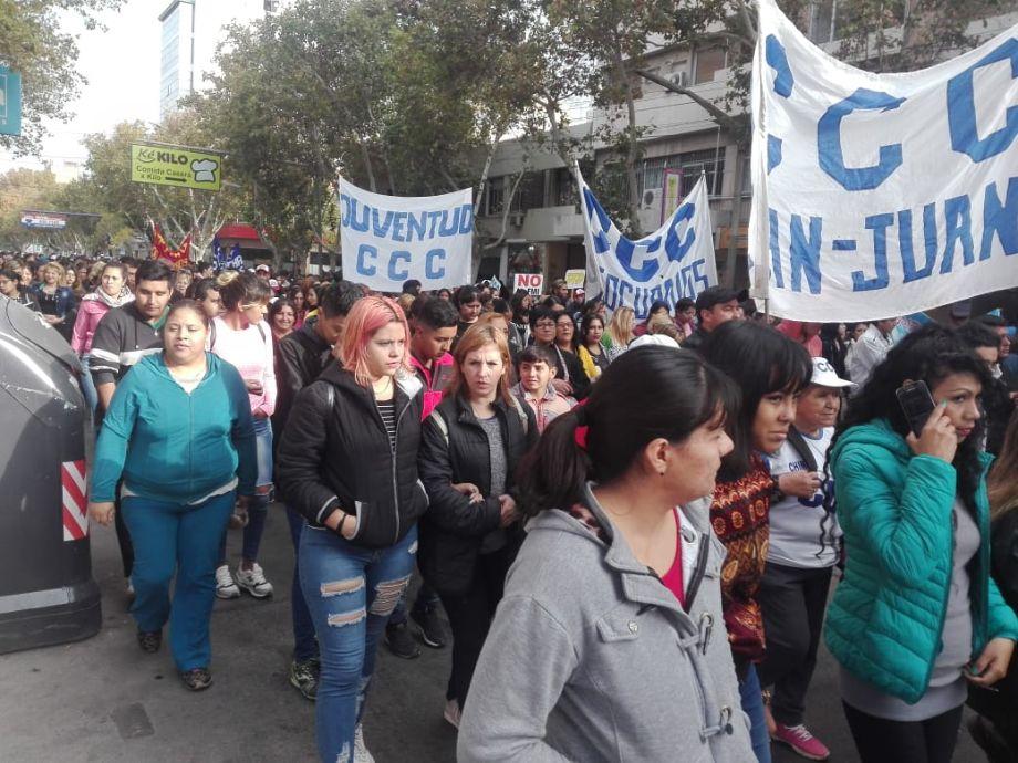 Cortes en el microcentro por una protesta social contra Macri -