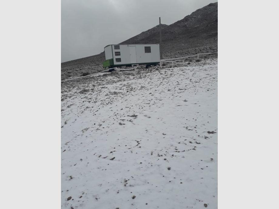 La nieve cubrió la Estancia Don Carmelo y ofreció hermosas postales -