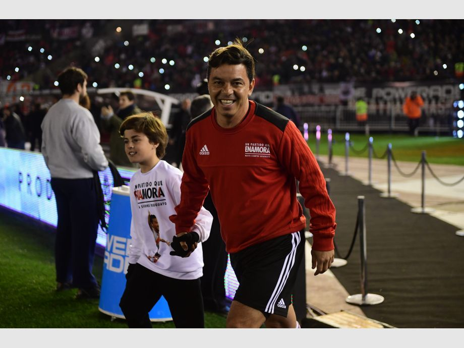 [FOTOS] Mora se despidió de River en un Monumental repleto -