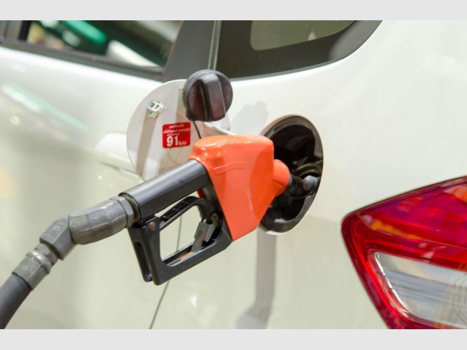 El costo del combustible aumentará entre 2 y 2,5% en agosto - Suba de Combustibles