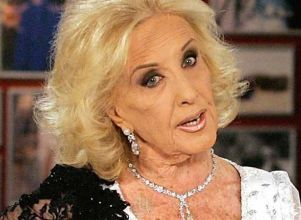 Las fotos retro de Mirtha Legrand en traje de baño - brandsafety Foto retro Mirtha Legrand