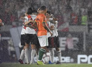 River sigue imparable - Superliga River Banfield