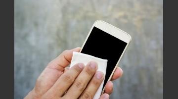 Resultado de imagen para cómo limpiar tu celular para prevenir el contagio del covid-19