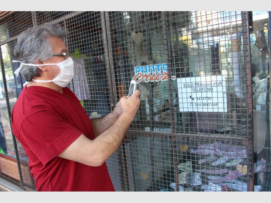Día 1 de la nueva cuarentena: desconocimiento, ventas por Whatsapp y locales con poco personal - Comercio Ventas Cuarentena Cuarentena administrada Covid-19 Coronavirus San Juan Peatonal