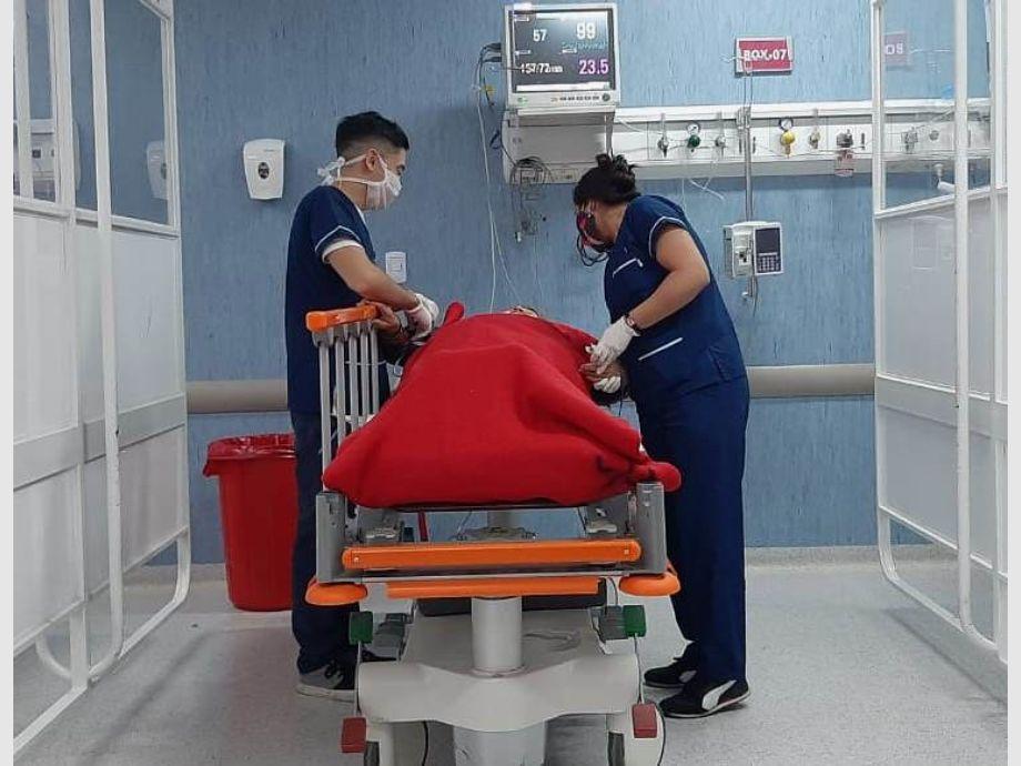 El Gobierno denuncia a la médica que contrajo coronavirus por violar los protocolos - coronavirus en san juan