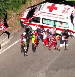 Renco Evenepole tuvo un escalofriante accidente en el Giro de Lombardía - RENCO EVENEPOLE CICLISMO GIRO DE LOMBARDÍA ACCIDENTE