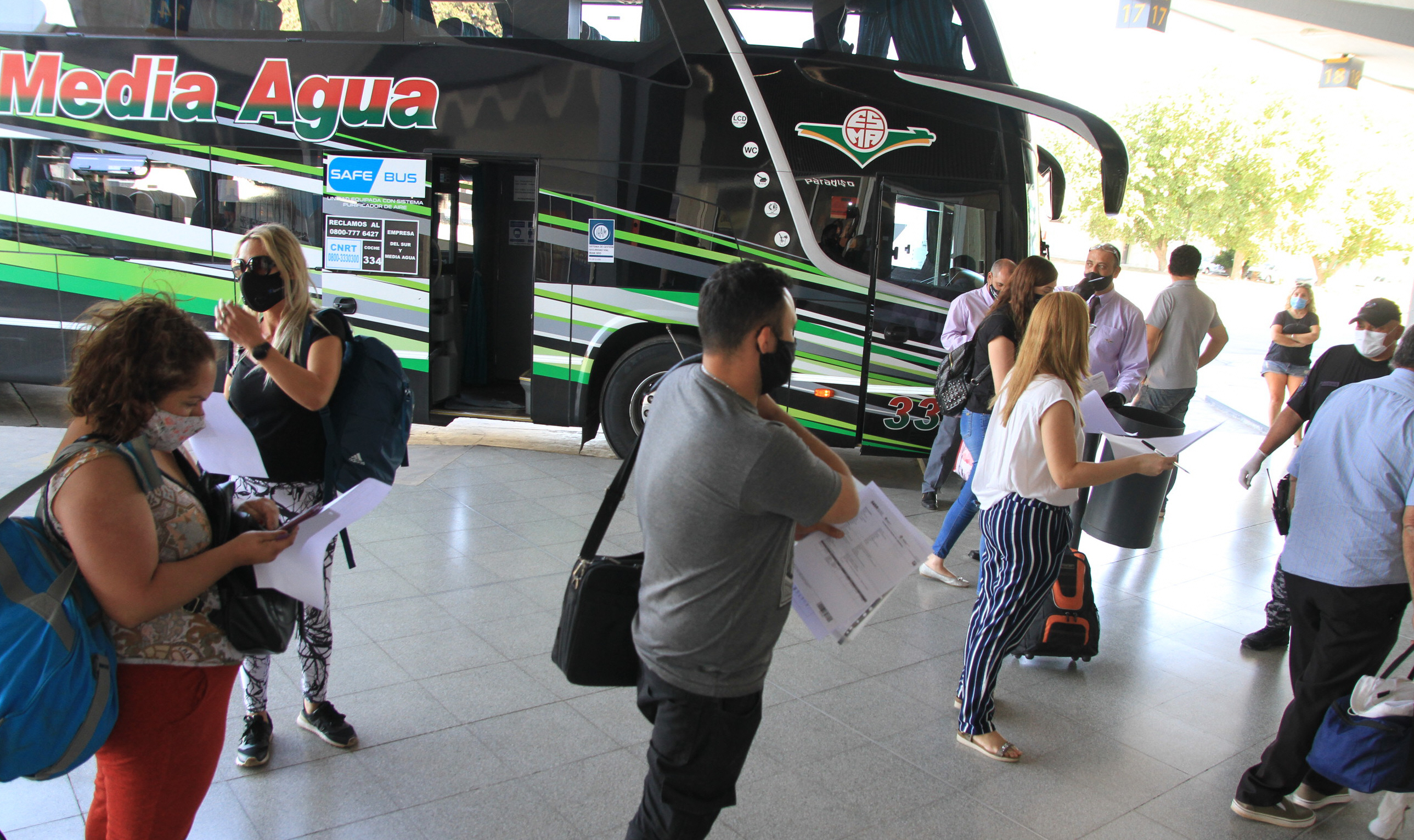 Las empresas de colectivos confirmaron solamente viajes a Mendoza hasta  ahora |