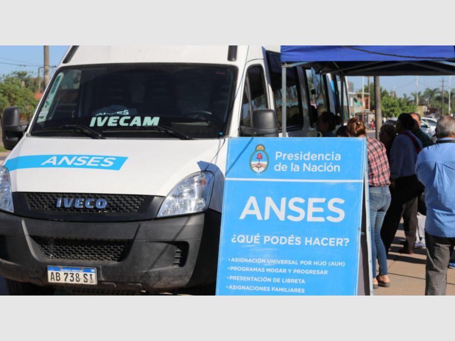 Anses y Pami tren una unidad móvil para hacer trámites en San Juan - ANSES Pami Trámites de ANSES en San Juan