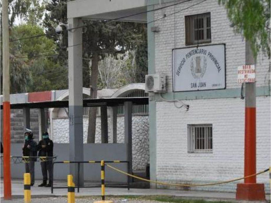 Desde mañana vacunarán a presos mayores de 60 años y con comorbilidades - Penal de Chimbas Vacunación ALARMA MUNDIAL POR CORONAVIRUS
