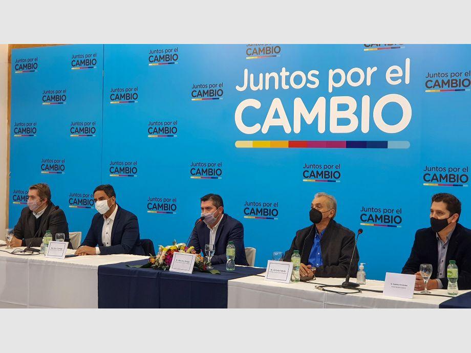 Orrego, de campaña desde el minuto cero, apuntó sus críticas al Gobierno nacional -