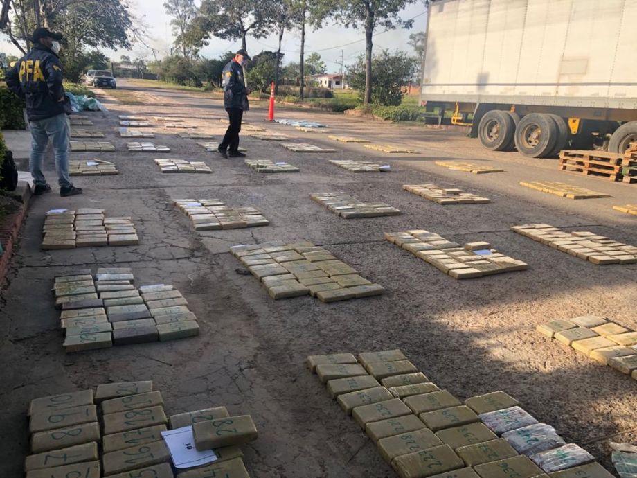 Secuestran en Formosa 800 kg de droga que tenían como destino San Juan: la banda operaba desde Rawson -