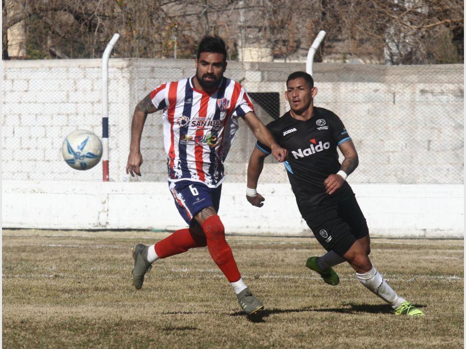 Peñarol y Desamparados ganaban sus partidos pero finalmente ambos empataron - Federal A Sportivo Desamparados Sportivo Peñarol