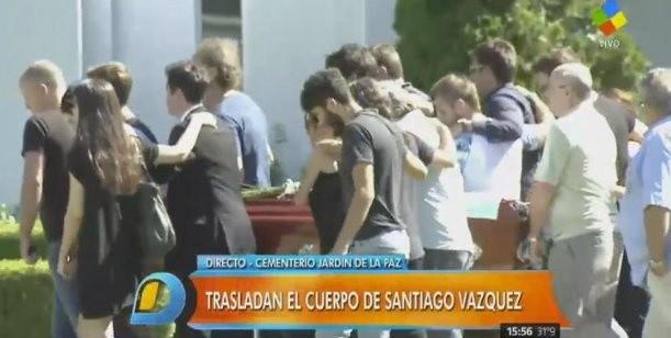 Con profundo dolor despidieron a santiago v zquez for Cementerio jardin de paz pilar