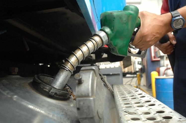 Los combustibles aumentarían 8% en enero