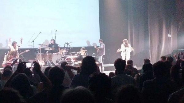 Charly García brindó un show sorpresa para sus fans