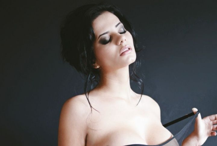 La periodista que se convirtió en actriz porno — Fotos