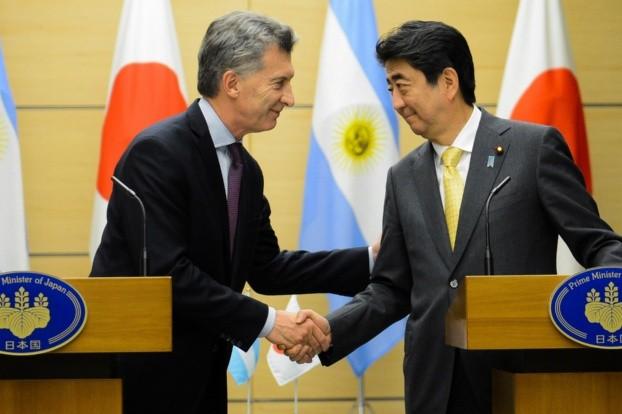 Sorpresa del emperador japonés por la pobreza
