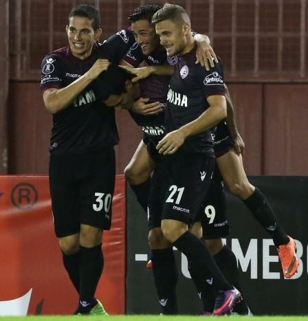Lanús goleó y avanzó a los 16avos de la Copa Total Argentina