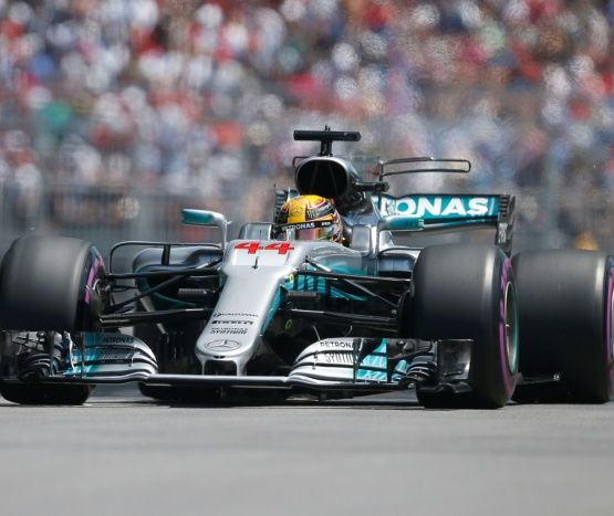 Hamilton iguala a Senna a lo Ayrton