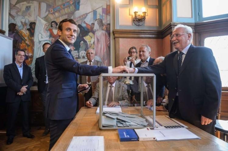 Un 19,24 % de participación al mediodía en las legislativas francesas