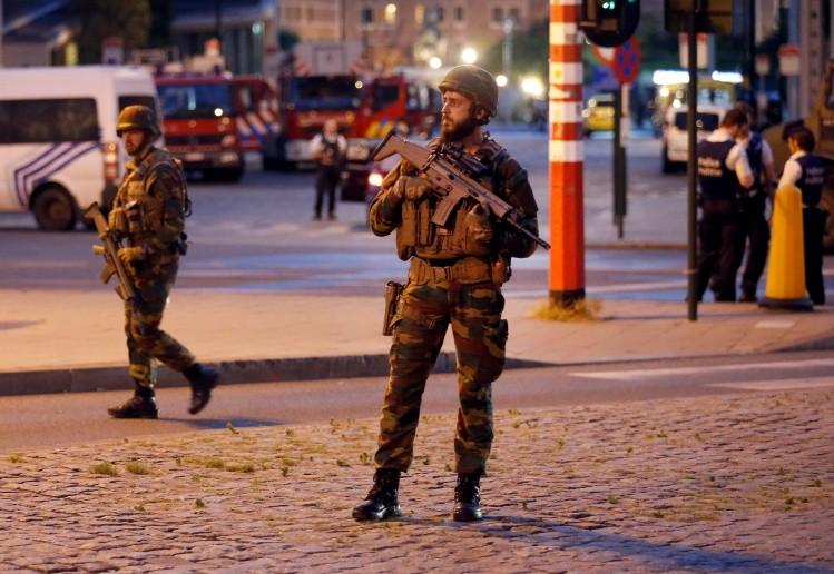 Neutralizan a un hombre que portaba un cinturón suicida — Bruselas