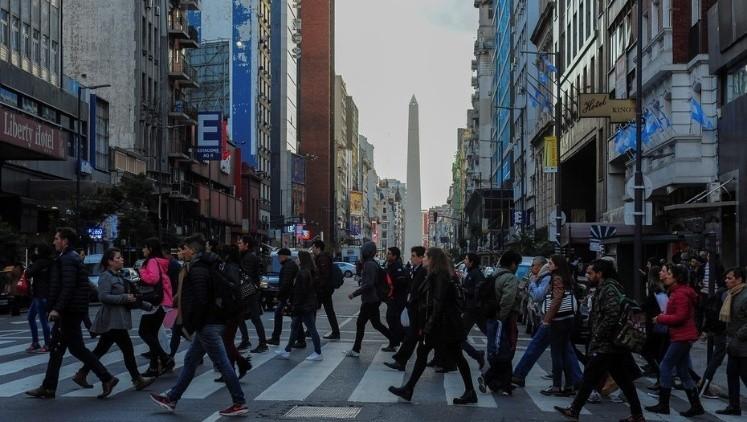 Estudio: Los argentinos somos obsesivos, narcisistas y desconfiados