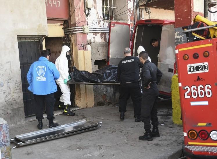 Incendio en un conventillo de La Boca: hallan cuatro muertos