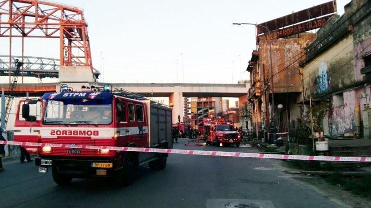 Cuatro muertos al incendiarse un conventillo en La Boca