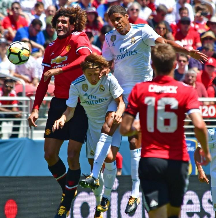 Zidane sorprende al adelantarse al club y oficializa la salida de Danilo