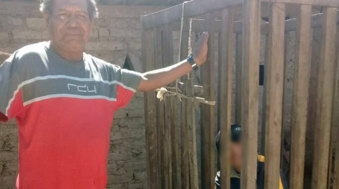 Un nene lleva 4 años encerrado en una jaula — Terrible