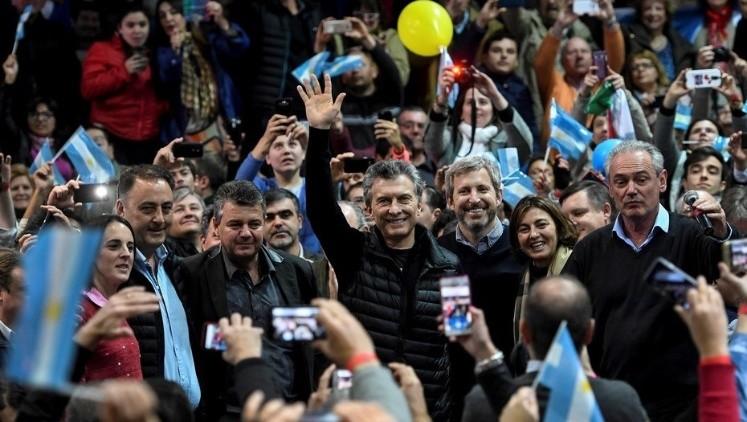 Macri y Vidal junto a los precandidatos de Cambiemos en Bahía Blanca