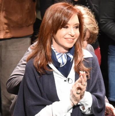 Los primeros datos revelan una leve ventaja de CFK — Voto a voto